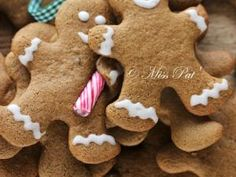 Gingerbread (Bonshommes biscuités au pain d'épices) - Miss Pat' Biscuits, Gingerbread Man Cookies, Love Is Sweet, Snowman, Vegetarian Recipes, Food And Drink, Sweets, Blog, Christmas Ideas