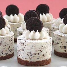 Oreo Cookies and Cream No-Bake Cheesecake http://elegantdessert.blogspot.com/2013/03/oreo-cookies-and-cream-no-bake.html