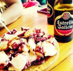 Pulpo a la gallega y cerveza Estrella Galicia!! Delicioso!! ♡ - Octopus 'a la gallega' and Galicia beer!! Delicious!! ♡