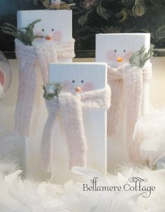 19 Ideas For Diy Wood Christmas Crafts Wooden Snowmen 19 Ideas For Diy Wood Christmas Crafts WoodenYou can find Woode. Christmas Snowman, Winter Christmas, Christmas Holidays, Christmas Ornaments, Christmas Projects, Holiday Crafts, Holiday Fun, Wooden Christmas Crafts, Rustic Christmas