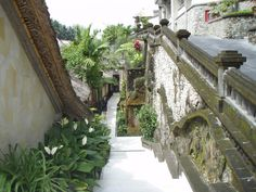 Bali and stomach precautions when traveling http://forums.vogue.com.au/archive/index.php/t-274843.html