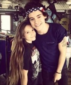 """I always see harry with fans and I always wonder """" WHY CANT THAT BE ME ?"""" :("""