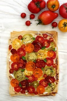 Tomato and ricotta tart on a brick sheet - Amandine Cooking - Anna Coombs Hmr Brick Pastry, Easy Cooking, Cooking Recipes, Cooking Rice, Cooking Light, Cooking Ideas, Ricotta, Plat Vegan, Cooking Tomatoes