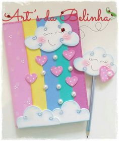 Ideas for embellishing notebooksTry these decoration ideas! Your notebooks will be the most original in the class. Kids Crafts, Foam Crafts, Diy Arts And Crafts, Paper Crafts, Notebook Diy, Notebook Cover Design, Notebook Covers, Pocket Notebook, Diy School Supplies