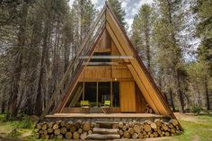 Set in a scenic spot off the Sierra Vista Scenic Byway in Yosemite National Park, 7,000 feet above the sea and fourteen miles from Bass Lake, this Yosemite A-Frame is an ideal getaway - if you're lucky enough to book...