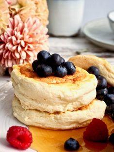 Souffle Pancakes, Cake & Co, Granola, Nom Nom, Food And Drink, Brunch Ideas, Baking, Breakfast, Sweet