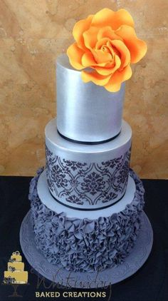 Learn different cake stenciling techniques, including how to use stencils with fondant, buttercream, royal icing, luster dust and more. On Craftsy!