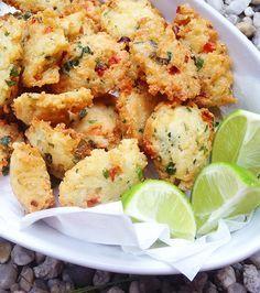Bolinho de arroz é uma delícia, e o melhor dessa receita é que é sem glúten e facílimo de fazer!