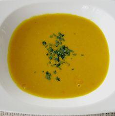 Scharfe Kürbissuppe mit Kokos und Curry
