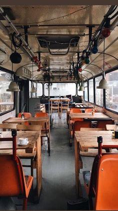 Cafe Bar, Cafe Shop, Café Retro, Retro Cafe, Coffee Shop Design, Cafe Design, Cafe Interior, Restaurant Interior Design, Food Truck Interior
