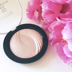 Last month I decided to try out the Makeup Revolution Vivid Baked Highlighter after watching Nicole Guerriero's Ulta Haul I decided to order the highlighter.  Let me just say that M…