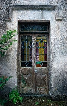 The front door of the old Lynch house ~ by **Mary**, via Flickr