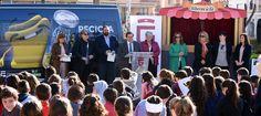 """GRANADA. La institución pone en marcha, junto a Ecoembes, la campaña """"Recicla y respira"""", que recorrerá 60 colegios y todos los municipios de Granada durante"""