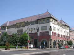 http://epiteszforum.hu/megujul-a-magyar-szecesszio-emblematikus-marosvasarhelyi-epulete