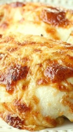 Creamy Swiss Chicken Bake ~ The Flavors of Chicken, Sour Cream and a Bit of Swiss & Parmesan Cheese, Make This Recipe Oh So Delicious! - wonder if you could use Greek yogurt instead of the mayo and sour cream? Baked Chicken Recipes, Turkey Recipes, Meat Recipes, Cooking Recipes, Baked Chicken Breastrecipes, Raw Chicken, Chicken Flavors, Entree Recipes, Creamy Chicken