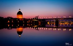 Sunset on the riverside of Garonne, in Toulouse