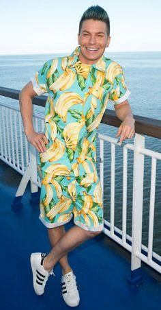 Antti Tuisku huimasta suosiostaan: Oon mie vähän loman tarpeessa Pop Singers, Lily Pulitzer, Pisces, Dresses, Design, Style, Fashion, Vestidos, Swag