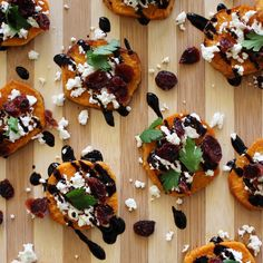How gorgeous are these roasted sweet potato rounds!? We topped ours with balsamic glaze, goat cheese, and #BokuHarvestCranberries for an extra kick of antioxidants. #BokuHack #BokuSuperfood #meatlessmonday