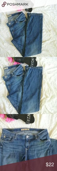 Ladies Big Star DenimJeans 36L This is a pair of ladies big star denim jeans. They are size 36 Long. I did not notice any flaws except there is a little bit of fray around one of the hemlines. They are sold without stains. Big Star Jeans Straight Leg
