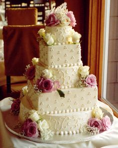 Image detail for -This cake has a nice mixture of round and square layers. The detailing ...
