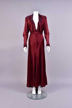 Lot: LANVIN ATTRIBUTED SILK DINNER DRESS, 1940s., Lot Number: 0600, Starting Bid: $200, Auctioneer: Charles A. Whitaker Auction Co., Auction: Couture, Fabric Swatches, Jewelry &Textiles, Date: April 29th, 2017 EDT