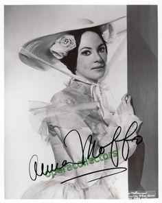 Moffo, Anna - Signed photo shown in La Traviata