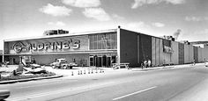 Exterior of Goldfine's By-The-Bridge, 1967. I remember The Captain's Table cafeteria on the top floor.