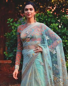 Do you require the best quality Designer Indian Saree and things like Modern Sari plus Bollywood then Click visit link for more info Indian Fashion Trends, Indian Designer Outfits, Indian Outfits, Indian Clothes, Indian Dresses, Trendy Sarees, Stylish Sarees, Indian Beauty Saree, Indian Sarees