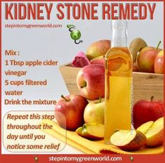 Do you know anyone who struggles with kidney stones? Drinking this apple cider vinegar and water mixture is a natural remedy that can help dissolve the stones and lessen pain.