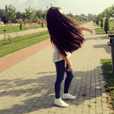 Long Natural Hair, Natural Hair Styles, Long Hair Styles, Long Black Hair, Very Long Hair, Teenage Girl Photography, Girl Photography Poses, Rapunzel, Cute Baby Girl Pictures