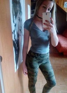 Kup mój przedmiot na #vintedpl http://www.vinted.pl/damska-odziez/rurki/17492469-spodnie-moro-bershka-s