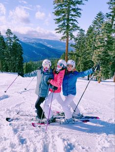 @madisonamandaa on vsco Wallpaper Cross, Preppy Winter, Ski Bunnies, Go Skiing, Ski Season, Best Friend Pictures, Friend Pics, Bff Pictures, Friend Goals