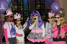 Karaoke fun Barbie Princess and the Popstar Party