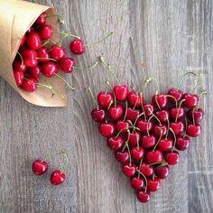 des cerises en coeur