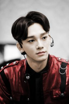 Chen EXO. Just look at this beauty. How can you not love him?