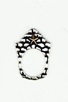 Image from http://cdn.shopjewelryus.com/59/2b/592b9128cd2b836fb32e0746403bea26/dian-malouf-star-stack-ring.jpg.