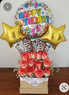 Candy Bouquet Diy, Gift Bouquet, Balloon Bouquet, Diy Father's Day Gifts, Xmas Gifts, Cute Gifts, Creative Birthday Gifts, Creative Gifts, Valentine Gift Baskets