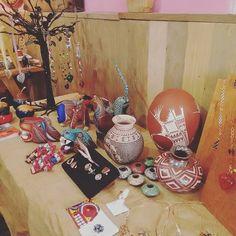 No olviden visitarnos el día de hoy en @elbesohuasteco y conocer nuestra selección de arte popular mexicano de Chihuahua Puebla Guerrero y Oaxaca. LOS ESPERAMOS! #arte #arteMexicano #Mexico #Oaxaca #Guerrero #Chihuahua #Puebla #Artesania #ArtePopular #Alebrijes #Tona #Ceramica #MataOrtiz #Joyeria #Cobre #Plata #Guaje #HechoenMexico #HechoaMano #MaderaTallada #Vasija por estilomexicano en Instagram http://ift.tt/1MWWpZD #navitips