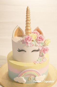 Proprio a tutti piace la nutella Unicorne Cake, Cake Tins, Cake Mold, Cupcake Cakes, Unicorn Themed Birthday, Unicorn Party, 65 Birthday Cake, Nutella, Recipe For Teens