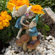 Limited Edition! Codey and Cassey Miniature Fairy Faery Hobbit Garden
