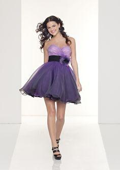 Vestidos cortos para bodas | Descubre AQUI los Mejores Vestidos de Novia Originales: http://imagenesdevestidosdenovia.com/vestidos-cortos-para-bodas/