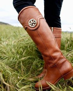 Tory Burch Outlet! $78 OMG!! Holy cow, I'm gonna love this site!!!