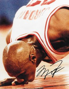 MICHAEL JORDAN Authenitc Signed 8x10 PHOTO Chicago BULLS NBA Retirement Floor