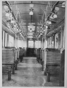 Interior of the Linea A wooden cars built in Old Pictures, Old Photos, Metro Subway, Neoclassical Architecture, U Bahn, Old Trains, Catacombs, Belle Epoque, Historical Photos