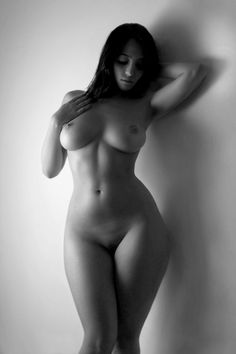 Naked Women With Sexy Curves 110