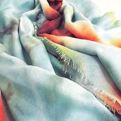 #texture #textiledesign #textile #textileart #scarf #scarves #fashion #fashionista #colorful #shibori #batique #tyedye #textiledye #dyed #dye #dying #blue #instalike #instagood #instadesign #raventailor #handmade #crafts #instadaily