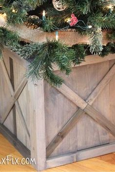 DIY Christmas Tree Stand Ideas to Dress up Your Family's Evergreen Plastic Christmas Tree, Red And Gold Christmas Tree, Wood Christmas Tree, Small Christmas Trees, Christmas Tree Themes, Christmas Diy, Simple Christmas, Vintage Wooden Crates, Wood Crates
