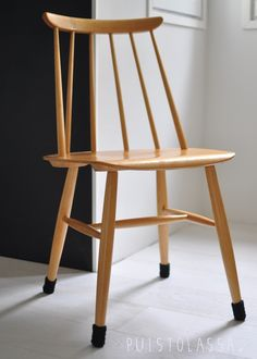 Via Puistolassa | Wooden Chair