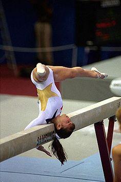 Dominique Moceanu -- fav beam routine!