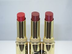 Covergirl Queen Collection Stay Luscious Lipstick Review and Swatches | http://www.musingsofamuse.com/2016/01/covergirl-queen-collection-stay-luscious-lipstick-review-swatches.html